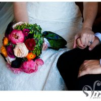 bride and groom, pink and red bouquet